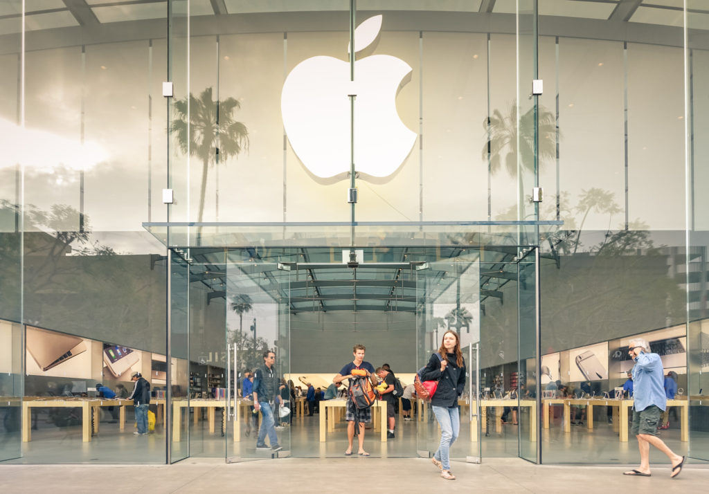 Apple Store on 3rd Street Promenade in Santa Monica