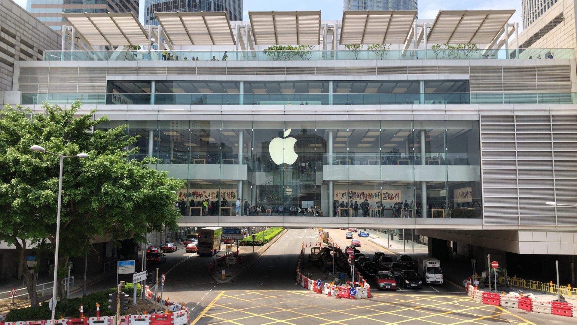 apple-hk-central-ifc-mall-review-1
