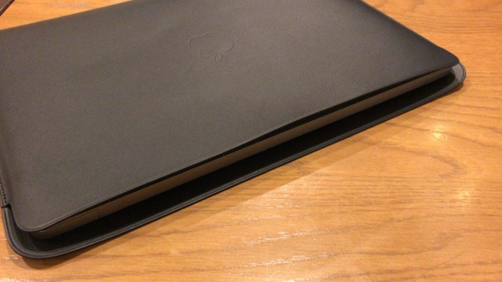 macbook-air-2018-apple-leather-Sleeve-10