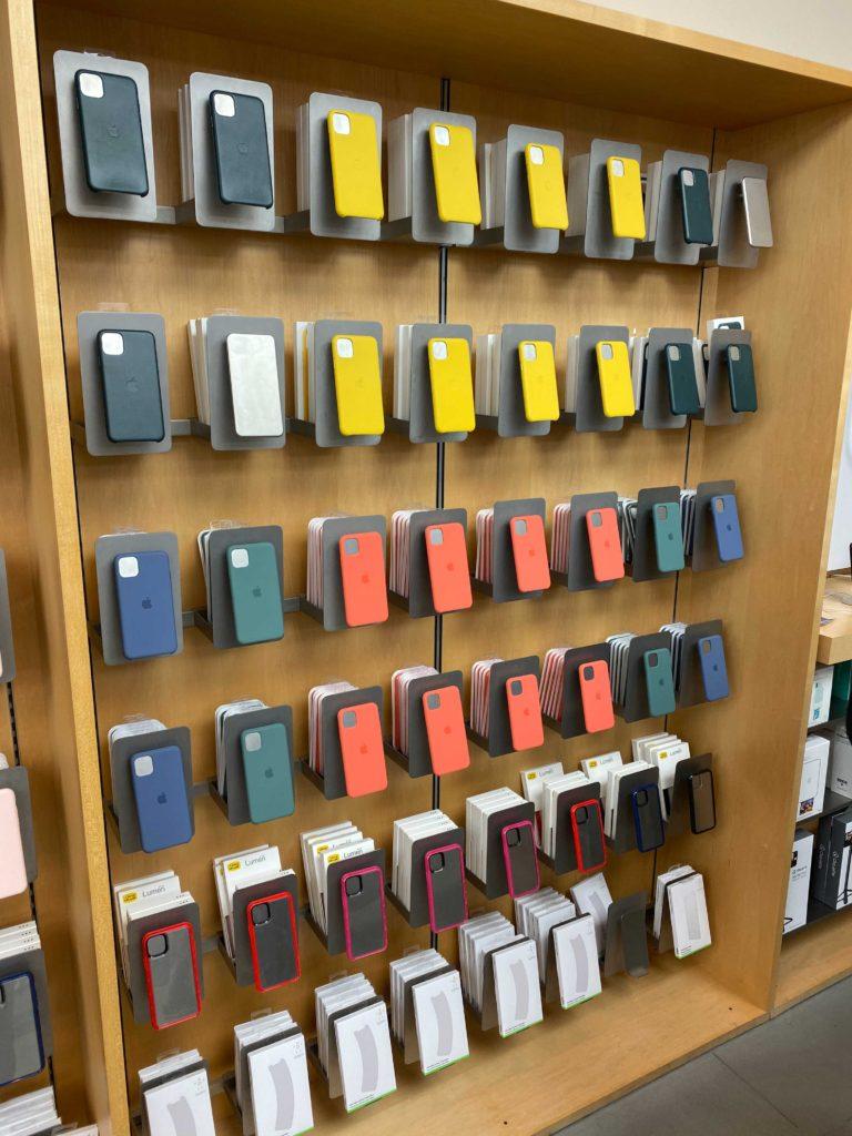 出所:SMATU.netにて撮影 こちらはiPhoneのケースが展示されている壁面.同じく綺麗な景色です.