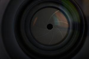 Lens aperture hole