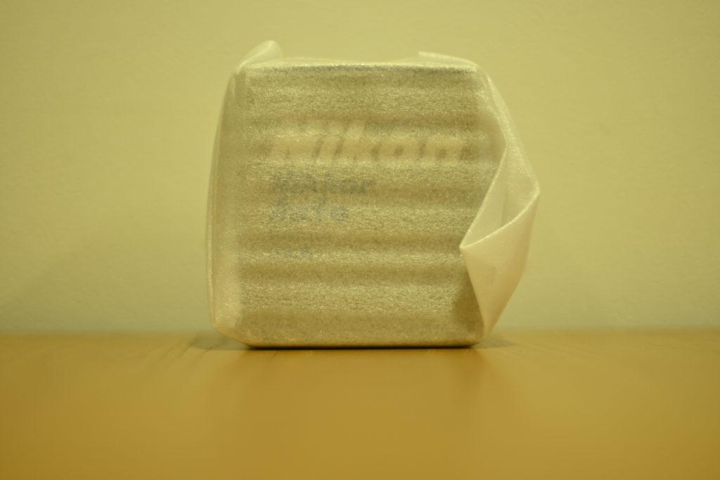 出所:SMATU.netにて撮影 NIKKOR-N Auto 24mm F2.8,希少な外箱とケース付きを手に入れることができました.