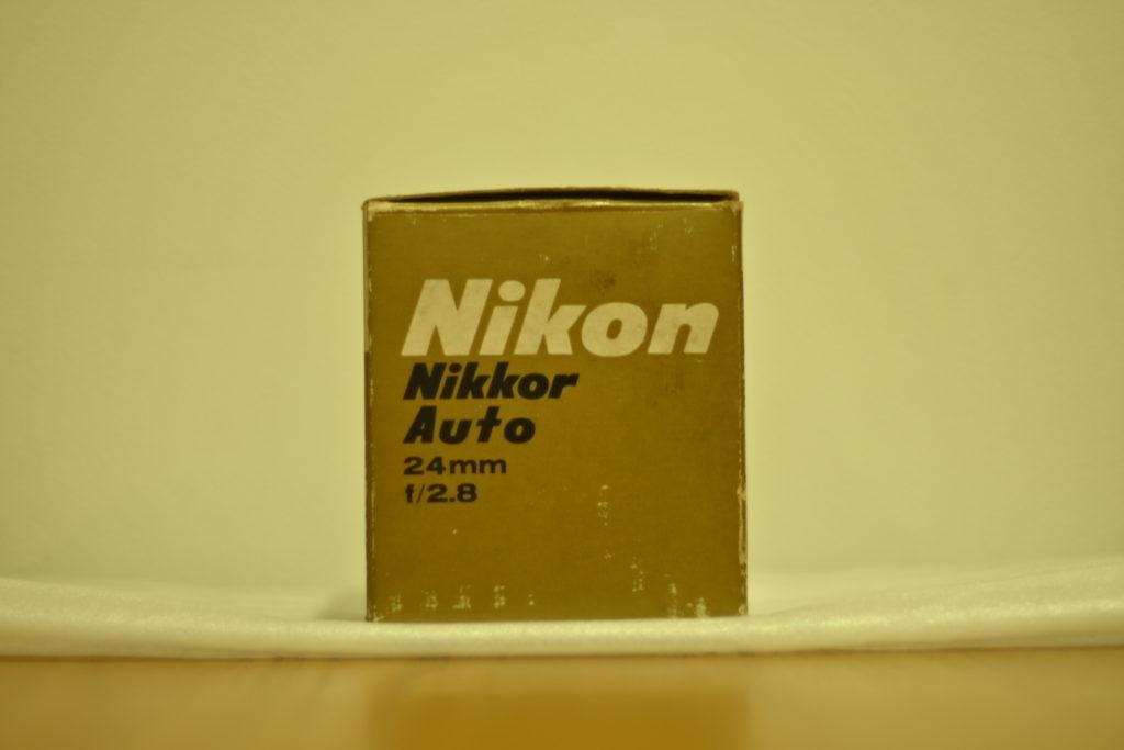 出所:SMATU.netにて撮影 1967年発売のレンズなので,発売から50年以上が経過しています.外箱からも歴史を感じます.