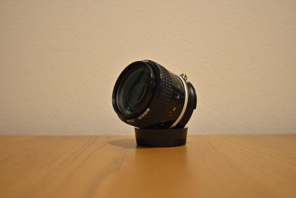 出所:SMATU.netにて撮影 レンズ全体のコンディションも良好,ピントリング・絞りリングともに動作も問題ありません.