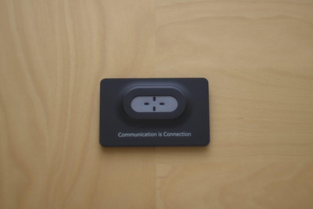 Photo : SMATU.net ケースに収納している状態.ポケットや小さめのカードケースにも収納可.
