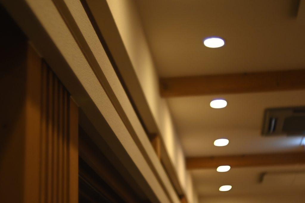 程よく空調の効いた店内と,外気が混ざった環境が心地よい.
