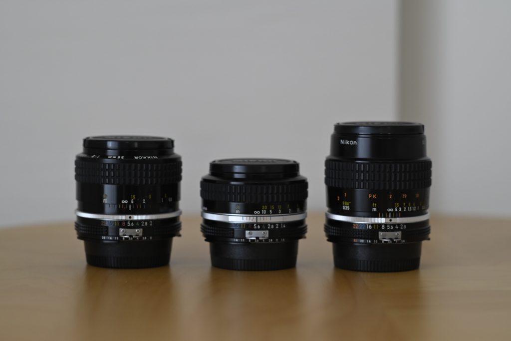 最近お気に入りの,Nikonの Ai(s) NIKKORのレンズ群たち. ほどほどシャープな描写をしてくれるのでお気にいり.