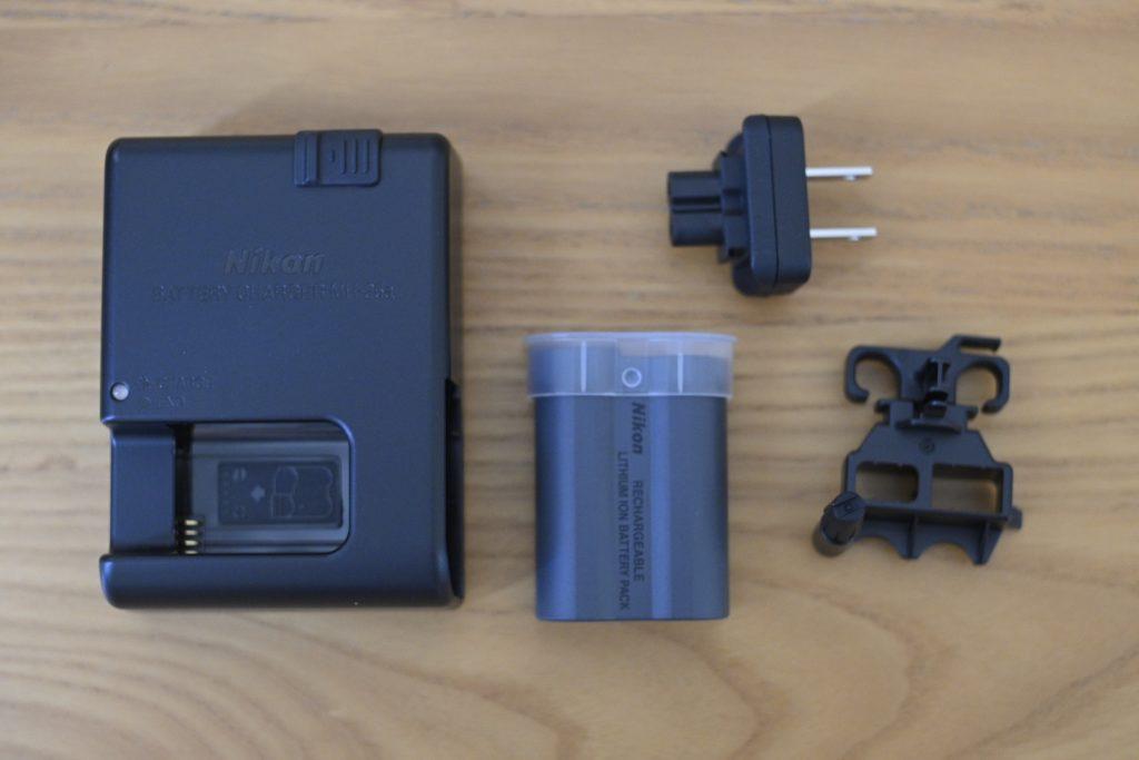 バッテリーは残量少なめで届くことが多いので,先に充電しておくことおすすめします.