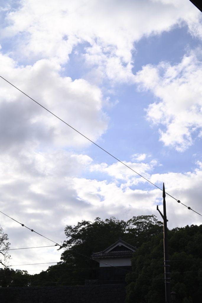 雲の写真は24mm以上の広角が推奨されている.↑50mmで雲を撮るとやや物足りない.