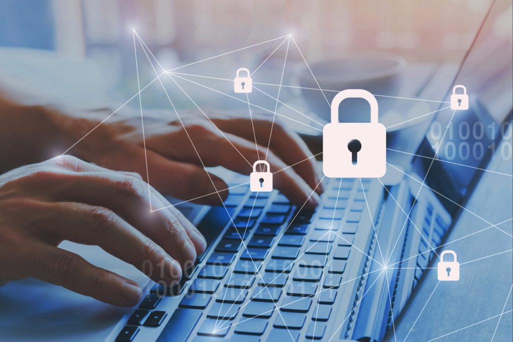 セキュリティ保護の観点からも,アプリは最新のバージョンにアップデートしておくほうが安心.