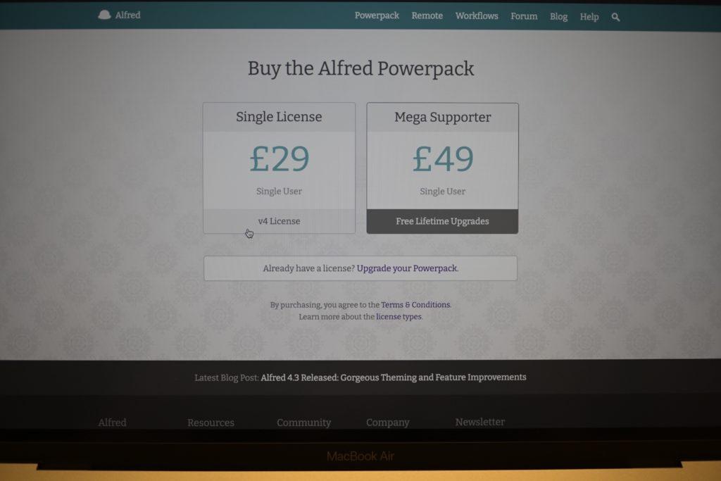 25ポンドのシングルライセンスと,49ポンドのメガライセンスがある.