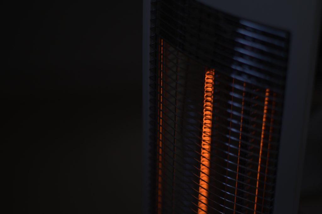 室内の電気ストーブの光はこんな感じで表現してくれる.